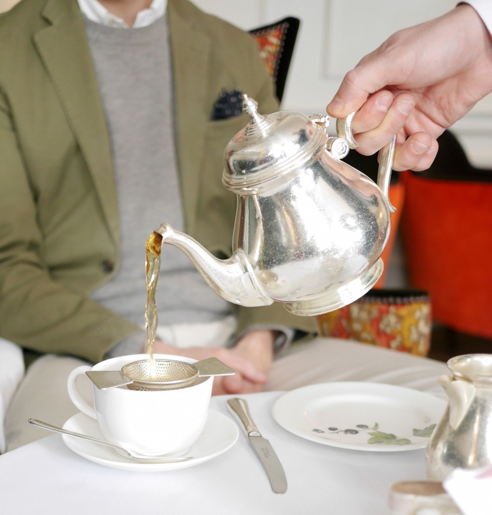 brownshotel_tea_serving