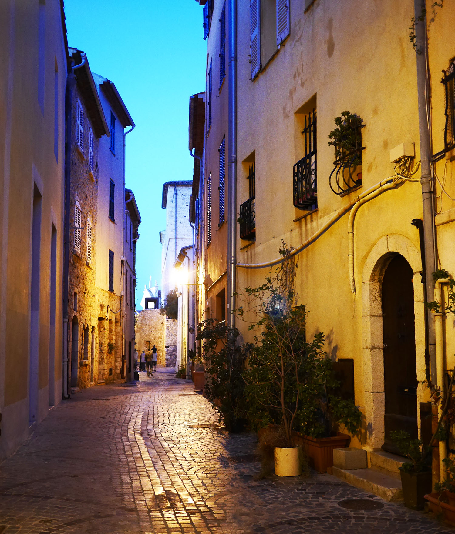 antibes_streets