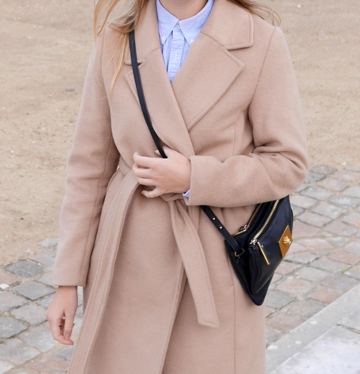 camel_coat_outfit_versailles
